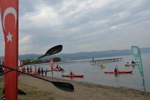 Bursa İznik Gölü'nde kano mücadelesi