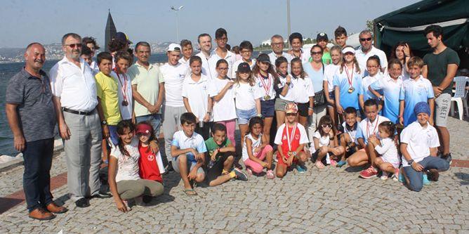 Gölcük'te Zafer Bayramı Yelken Yarışları yapıldı