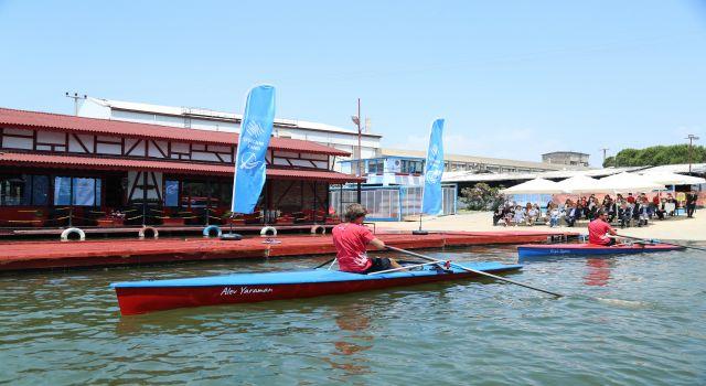 Şişecam Çayırova Spor Kulübü'nün İlk Deniz Küreği Tekneleri Törenle Denize İndirildi